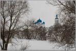 Боголюбово. Боголюбский монастырь зимой. Голубое на черно-белом.