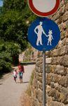 Прага. Дорожка для родителя с дитём