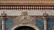 Москва. Казанский вокзал. Звезда и паровоз над аркой главного входа. Архитектор Щусев, 1926 год.